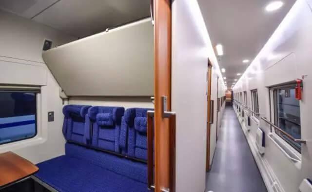 crh5e-cabin